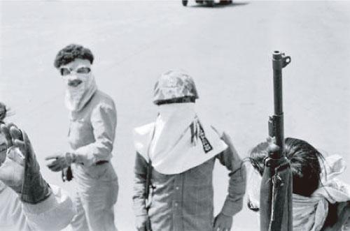 복면 무장단체의 특수장갑